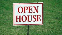 Open house sign for sale by owner